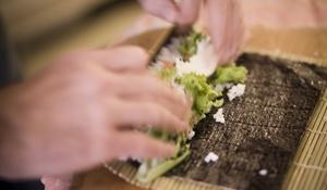 KROK V - Zawijanie sushi